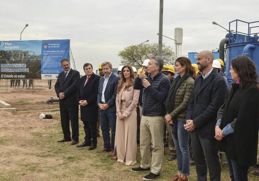 Macri inauguró un comedor escolar en Santiago del Estero y llamó a ...